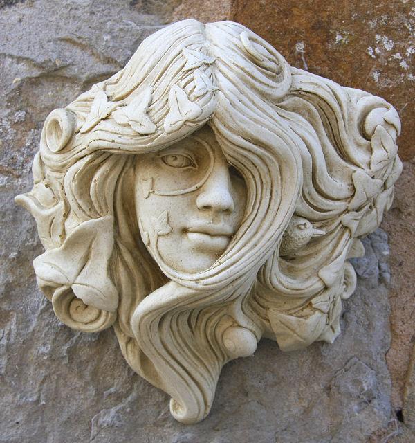 Green Woman Garden Ornament 'Armscote'
