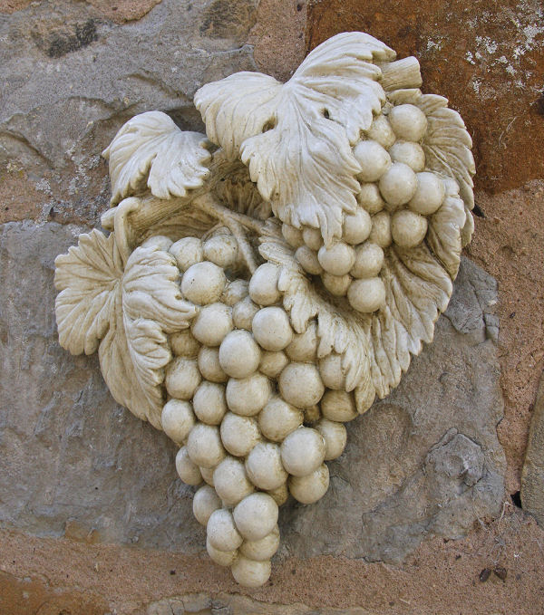 Stone wall ornament grapes garden ornaments find fruit for Flower garden ornaments